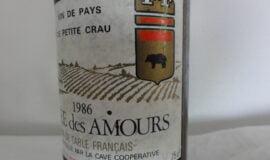 Archivní červené víno Cuvee Des Amours Francie 1986.