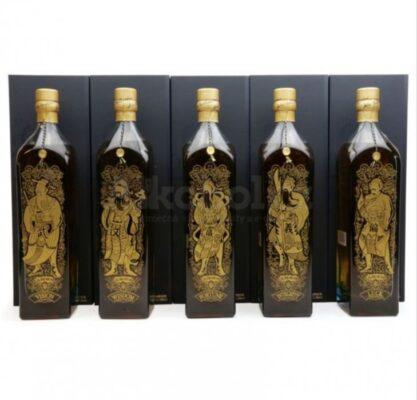 obrázek Johnnie Walker Blue Label Five Gods of Wealth 5×1l 40% GB L.E.