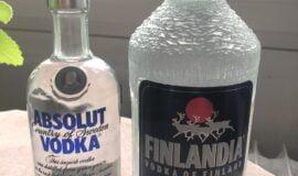 Old Finlandia 1,75l a stará verze Absolut vodka.
